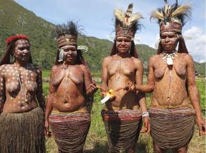 Kvinder i Papua (2)_edited-1